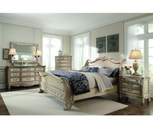 Carlington Grounds Triple Dresser